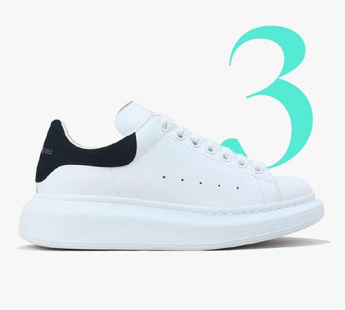 Sneakers in pelle con suola spessa di Alexander McQueen