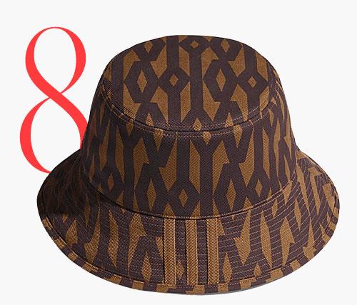 Photo: Cappello da pescatore con monogramma di Adidas x Ivy Park