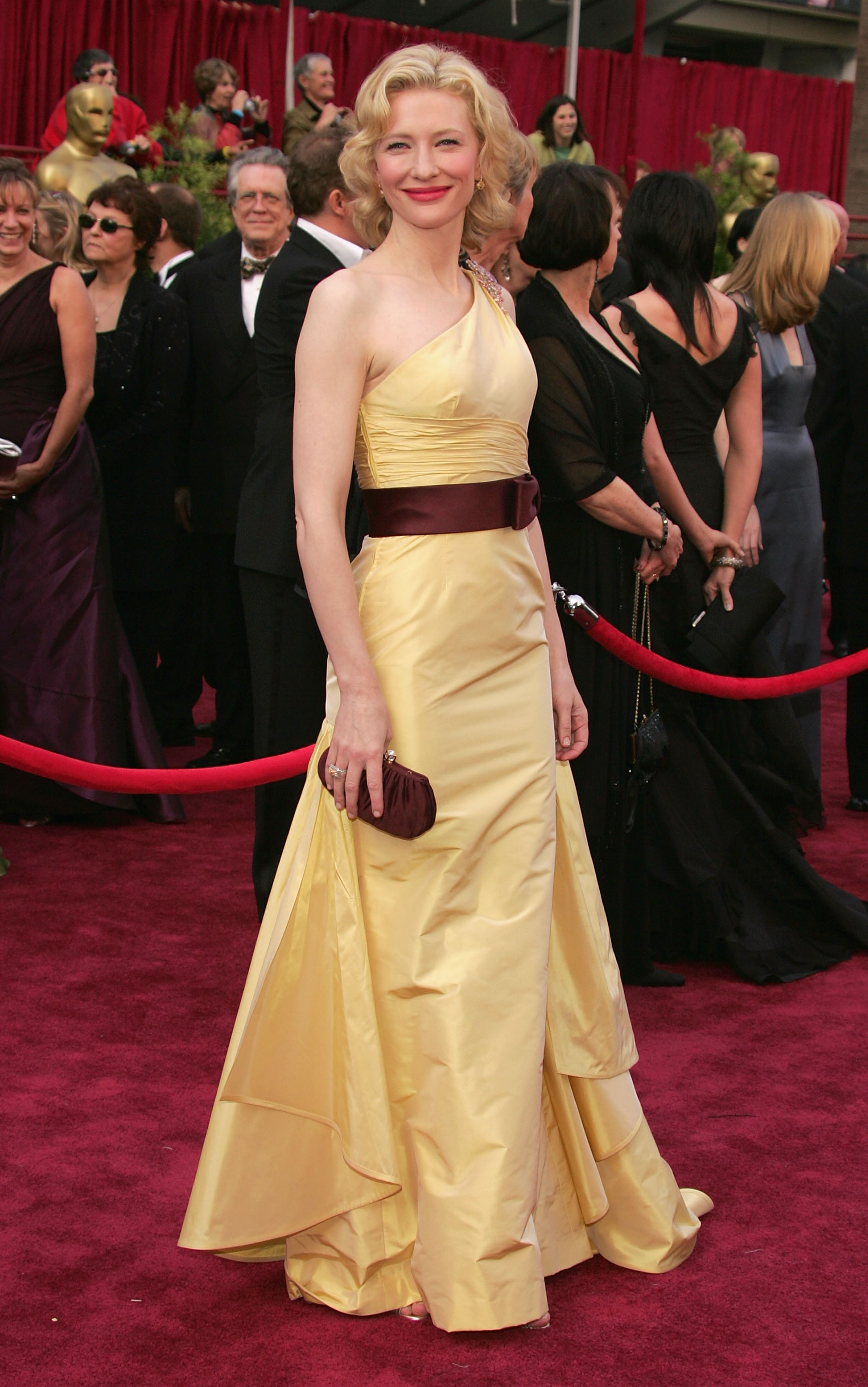 An Image of Cate Blanchett at the 2005 Oscars